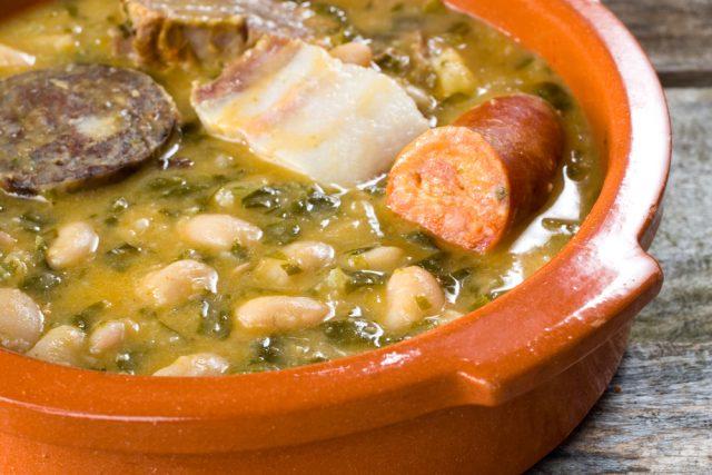 Receta de alubias con chorizo a la asturiana