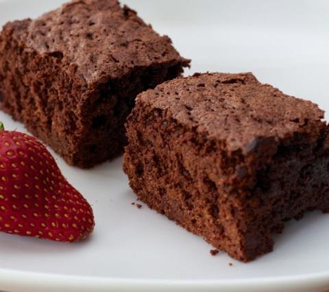 Receta de brownie con fresas