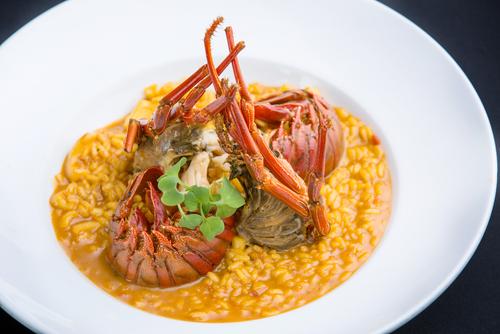 Receta de arroz con bogavante y pescado