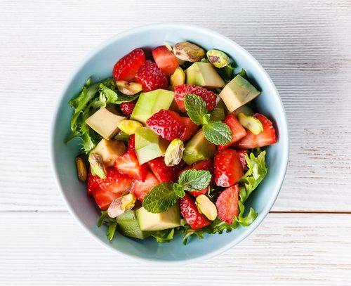 Receta de ensalada de aguacate y fresas