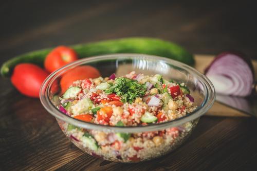 Receta de ensalada de garbanzos y quinoa
