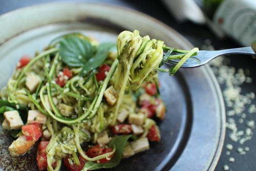 Receta de espaguetis de calabacín con atún